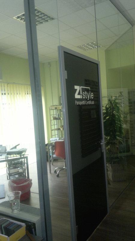 vetreria gottardi, porta temperata, porta in vetro temperato, porta nera, vetreria gottardi, porte temperate, porta temperata, vetro nuvola, porta scorrevole, scorrevole in vetro