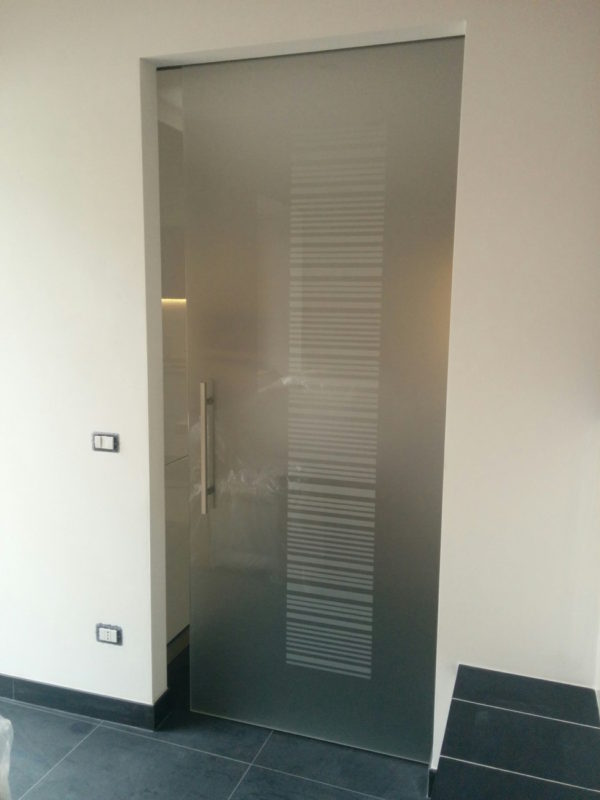 vetreria gottardi, porta temperata, porta satinata, sabbiatura su vetro