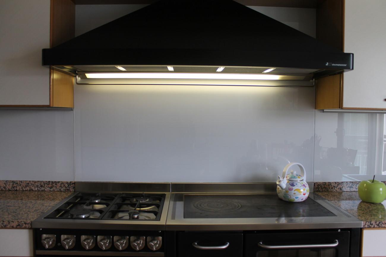 vetreria gottardi, retro cucina, vetro temperato, retro cucina in vetro, vetro laccato