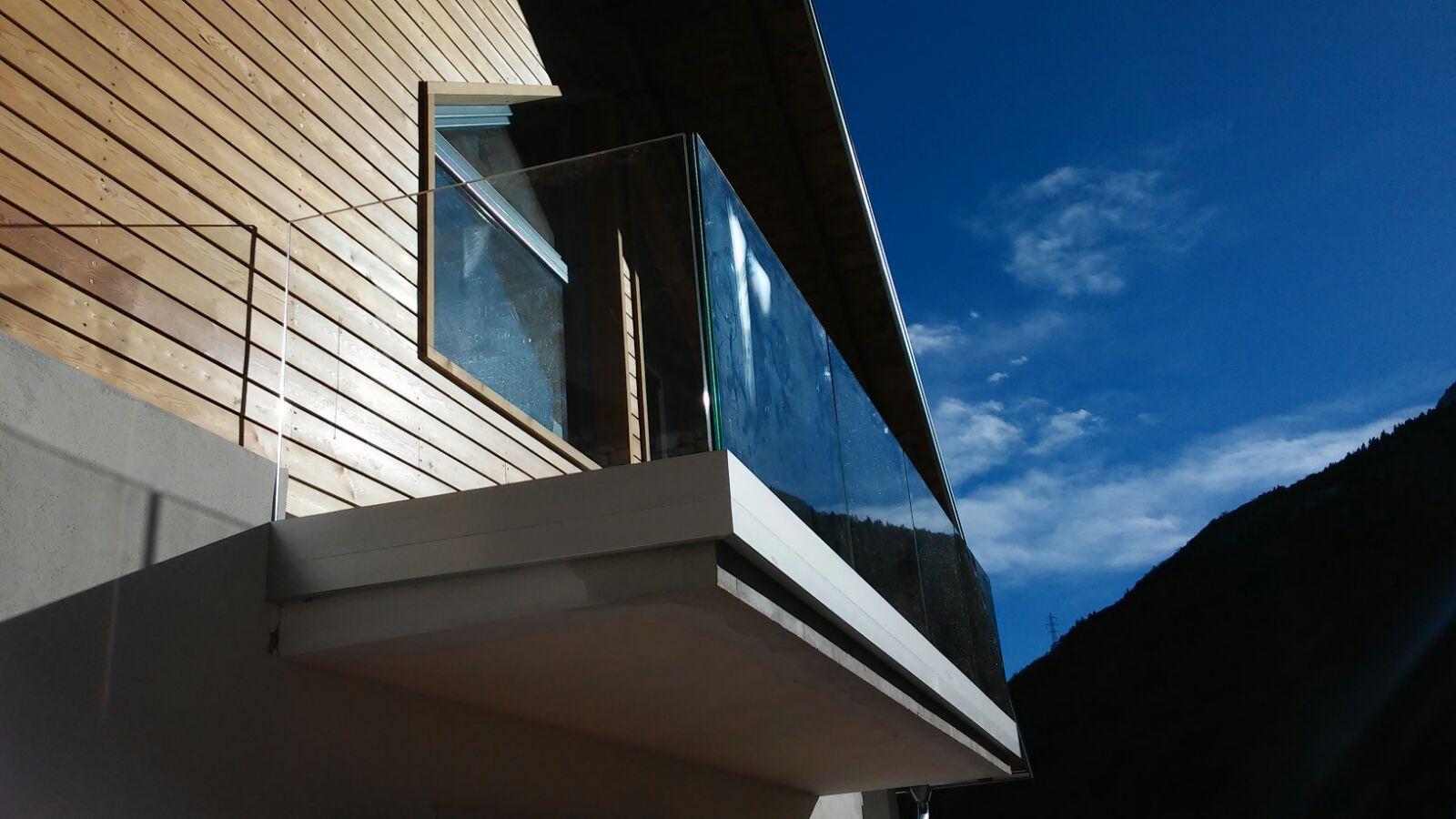 vetreria gottardi, parapetto in vetro, parapetto in vetro temperato, parapetto per esterno, parapetto per esterni
